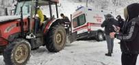 Devrek'te Kanala Düşen Ambulans Traktörle Kurtarıldı