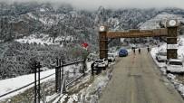 Kısıtlamada Kar İçin Spil'e Çıkmak İsteyenler Jandarmaya Takıldı
