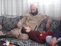Mehmetçik'ten Duygulandıran Ziyaret