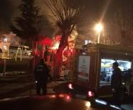 Parkta Çıkan Yangını İtfaiye Ekipleri Söndürdü