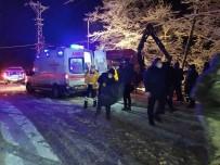 Şiddetli Karda Yoldan Çıkan Kamyonet Şarampole Uçtu Açıklaması 6 Yaralı