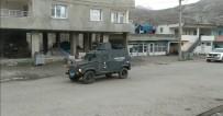 Zırhlı Araçlardan Türkçe Ve Kürtçe 'Sokağa Çıkmayın' Anonsu