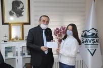 100 Lira İsabet Eden Milli Piyango Biletini Sokak Hayvanları İçin Bağışladı