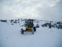 Çorum'da 220 Köy Yolu Ulaşıma Kapandı