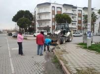 Mahalle Muhtarından Vatandaşlara 'Yağmursuyu Izgaralarını Temiz Tutalım' Çağrısı