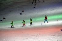 Sporcular Gece Kayağı İle Yarışmalara Hazırlanıyorlar