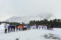 Yılın İlk Tırmanışını Dedegöl Dağı Zirvesine Yaptılar
