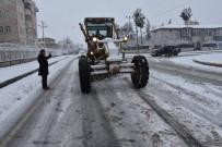 Diyarbakır'a Kar Yağdı, Başkan Beyoğlu Ekiplerle Birlikte Sahaya İndi