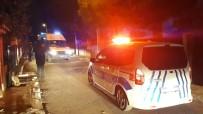 İzmir'de İki Grup Arasında Bıçaklı Kavga Açıklaması 3 Yaralı