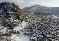 Karla Kaplanan Karahisar Kalesi'nin Havadan Görüntüsü Büyüledi