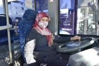 Burdur'da İlk Kadın Halk Otobüsü Şoförü Aysel Gürdal Direksiyon Başında