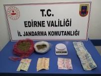 Edirne'de Ehliyetsiz Sürücünün Aracından Uyuşturucu Çıktı