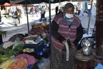 Pazarcı Esnafı Soğuktan Korunabilmek İçin Pazara Soba Kurdu