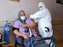 Söke'de Huzur Evi'nde Kalan Yaşlılar İle 90 Yaş Üzeri Vatandaşlar Aşılanıyor