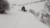 Tunceli'de Kapalı Bulunan 42 Köy Yolunu Açma Çalışması Sürüyor