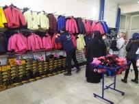Gaziantep'te 400 Aileye Gıda Ve Kıyafet Desteği