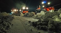 Şırnak-Hakkari Karayolunda Karla Mücadele Çalışmaları Sürüyor