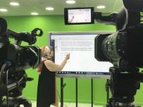 30 Gönüllü Öğretmen Öğrencilerin Eğitimine Katkı Sunmak İçin Kamera Karşısına Geçti