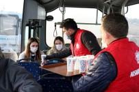 Aksaray'da Soğuk Havada Sıcak Çorba İkramı