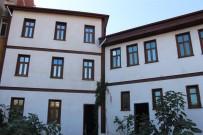Kültür Ve Turizm Bakanlığı'nın Tescilli Binası Gençlik Merkezi Oldu