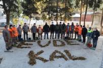 Manisa'da Temizlik İşçilerinden 'Evde Kal' Mesajı