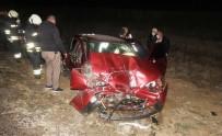 Otomobil İle Yolcu Otobüsü Çarpıştı Açıklaması 1 Ölü