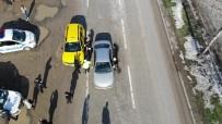 Sokağa Çıkma İzni Olmayan Yolcuyu Taşırken, Polisten Kaçan Taksi Sürücüsü Cezadan Kaçamadı