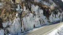 Tunceli'de Ağlayan Kayalar, Buz Tuttu