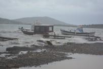 Ayvalık'ta Şiddetli Yağış Ve Lodos Hayatı Olumsuz Etkiledi