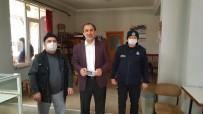 Kaynaşlı'da Esnafa Bin 500 Liralık Gıda Çekleri Dağıtıldı