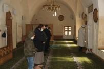 Teröristlerin Roketli Saldırısının Hedefi Olan Camide Saldırının İzleri Silindi