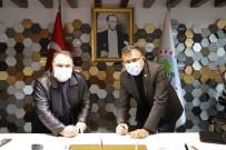 Alaşehir'de Belediye İşçilerini Sevindiren İmza