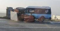 Batman'da Tekstil İşçilerini Taşıyan Minibüs Traktörle Çarpıştı Açıklaması 15 Yaralı