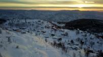 Karla Örtülü Yayladaki Gün Batımında Eşsiz Manzara Büyüledi