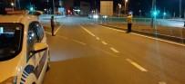 Kurye Kavşakta Motosikleti Devirdi Açıklaması 1 Yaralı