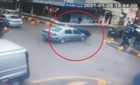 Otomobille Çarpışan Motosiklet Sürücüsü Ölümden Böyle Döndü