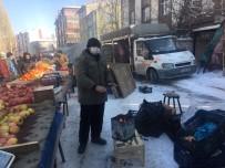 Pazarcılar Soğuk Havada Açık Alana Kurdukları Soba İle Isınıyor