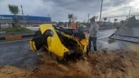 Refüje Çıkan Otomobil Hurdaya Döndü Açıklaması 1 Yaralı