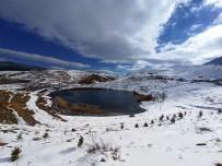 Torosların İncisi Dipsiz Göl'de Kış Güzelliği