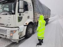 Antalya'da Jandarmadan Kış Lastiği Denetimi