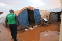 Çadırları Su İçinde Kalan Suriyeli Aileler Yardım Bekliyor