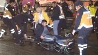 Eyüpsultan'da Kontrolden Çıkan Otomobil Reklam Panolarına Çarparak Durdu Açıklaması 2 Yaralı