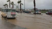 Fırtına Ve Yağmur Kuşadası'nda Etkili Oldu