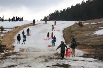 Hava Sıcakları Artınca Kayak Merkezinde Karlar Eridi