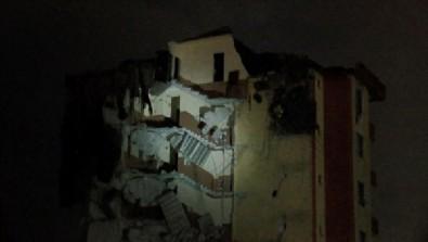 İstanbul'un göbeğinde akılalmaz manzara: Bina askıda kaldı, 3 apartman boşaltıldı...