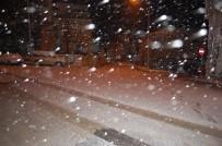 Kar İstanbul'a Giriş Yaptı