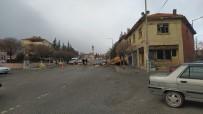 Konya'da Şiddetli Rüzgar Adliye Binasının Çatısını Uçurdu