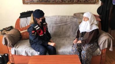 Kütahya'da İhtiyaç Sahibi Yaşlılara Jandarmadan Yardım Eli