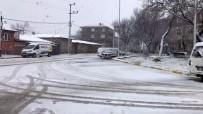 Silivri'de Kar Yağışı Etkili Oluyor