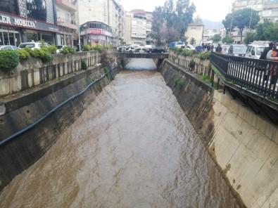 Tabakhane Deresi'nde Sular Yükseldi